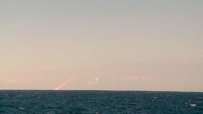 Подлодка «Великий Новгород» нанесла залповый ракетный удар «Калибрами» по террористам в Сирии