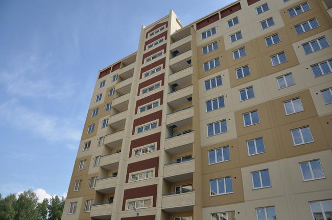 Новый панельный дом в жилом комплексе «Серебряное Озеро»