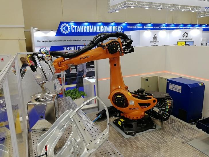 Робот подачи заготовок