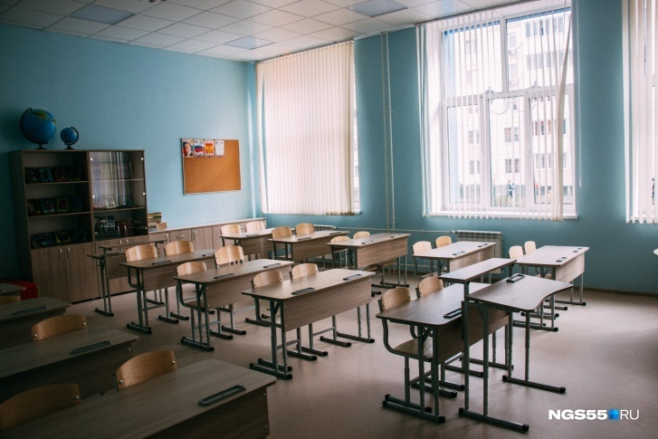 Дизайн школьных парт и стульев не поменялся за много лет