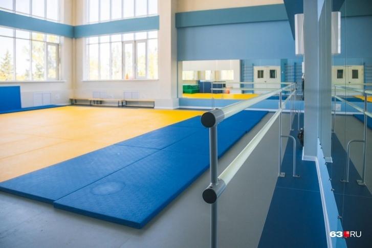 Малый зал оборудован для занятий гимнастикой