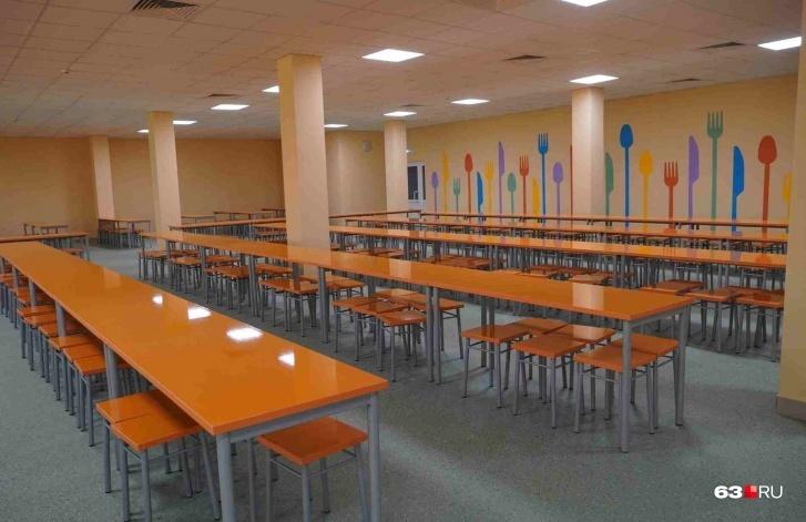 Дизайн столовой, которая может принять 600 учеников, определяли вместе с учениками и их родителями