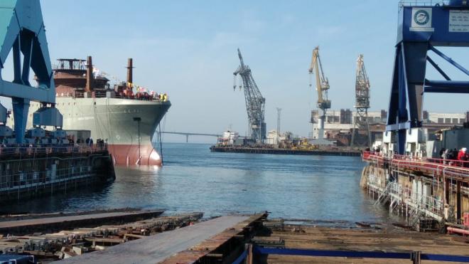 """Адмиралтейские верфи спустили на воду головной траулер проекта СТ-192 """"Капитан Вдовиченко"""""""