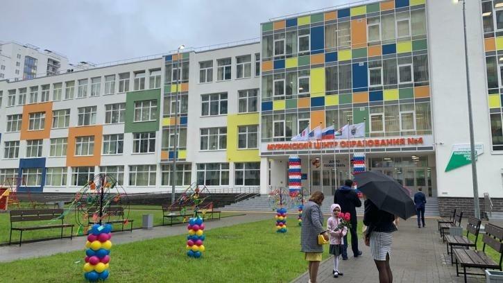 За парты новой школы в Мурино сядут 214 первоклассников