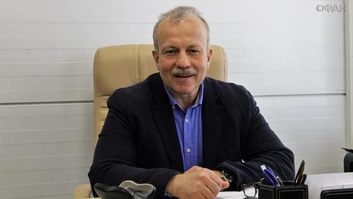 Директор завода Геннадий Перегудов
