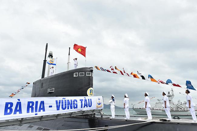 """Две ДЭПЛ """"Варшавянка"""" официально вошли в состав ВМС Вьетнама"""