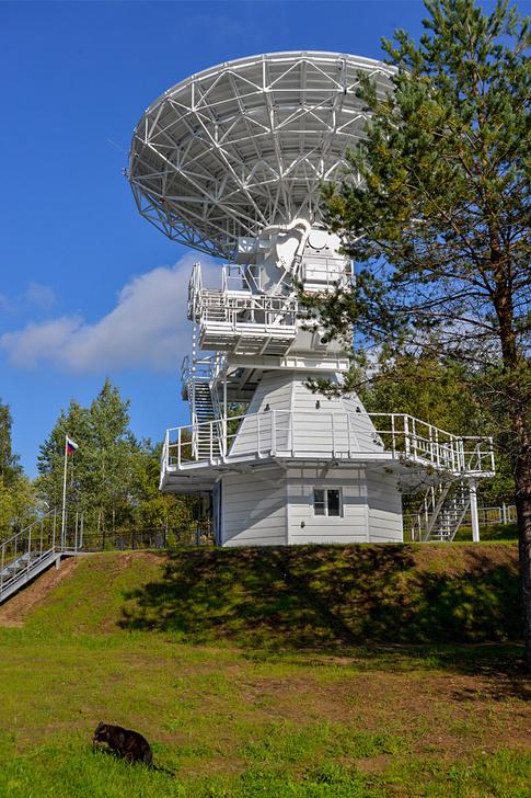 Радиотелескоп РТ-13 в обсерватории Светлое 19.09.2018, в день первого пуска телескопа. Источник: Наталия Михальченко