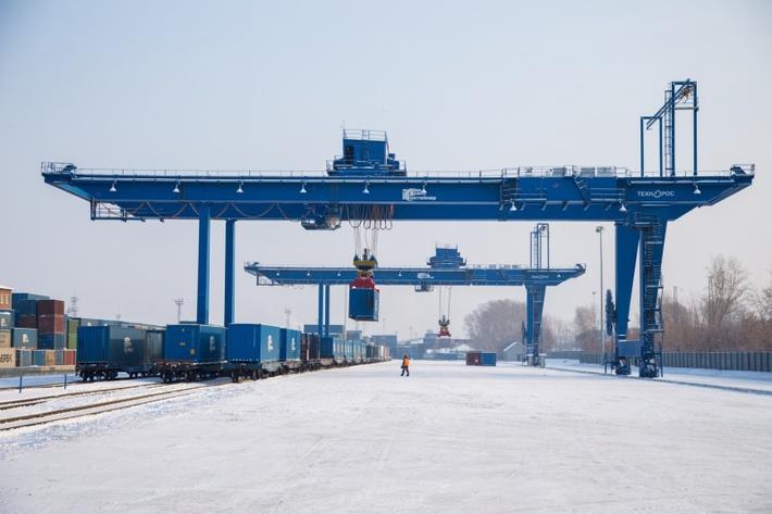 Обновленный контейнерный терминал открыли в Красноярске