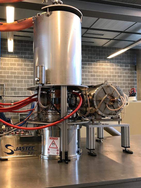 Гиротрон обеспечивает электронно-циклотронный нагрев плазмы в термоядерном реакторе