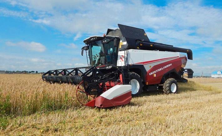 Картинки по запросу рост производства сельскохозяйственной техники почти на 50%,