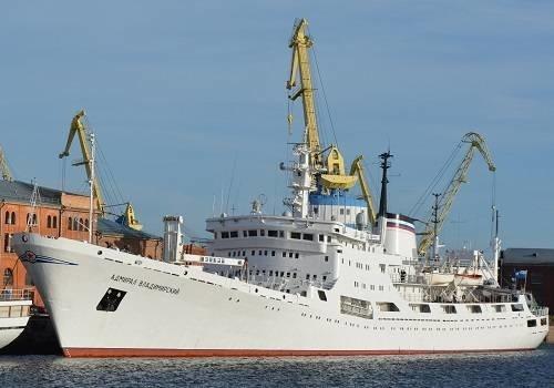 https://sudostroenie.info/images/700__108068_admiral_vladimirskiy_1.jpg