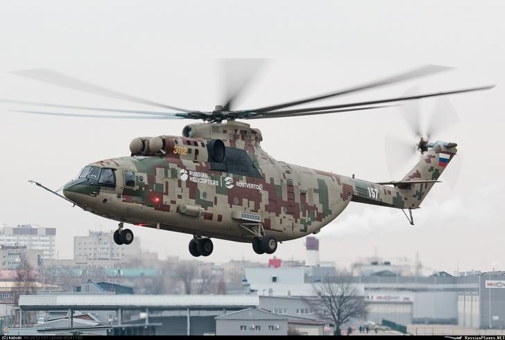 Опытный образец модернизированного тяжелого военно-транспортного вертолета Ми-26Т2В