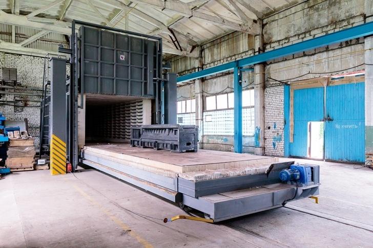 Термический участок завода оборудован электропечью с выкатным подом. Благодаря термической обработке в структуре металла снимаются внутренние напряжения и достигается однородность механических свойств отливки, что улучшает ее прочность и жесткость
