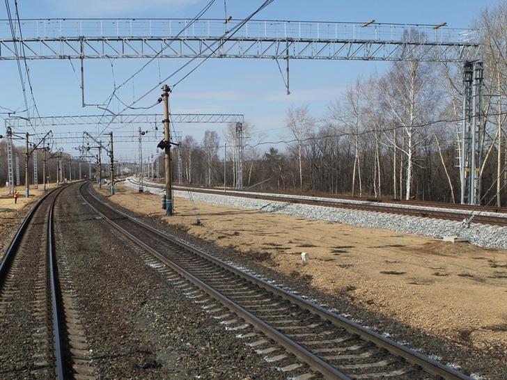 Открыто движение поездов по новому пути на участке Транссиба Косулино-Баженово