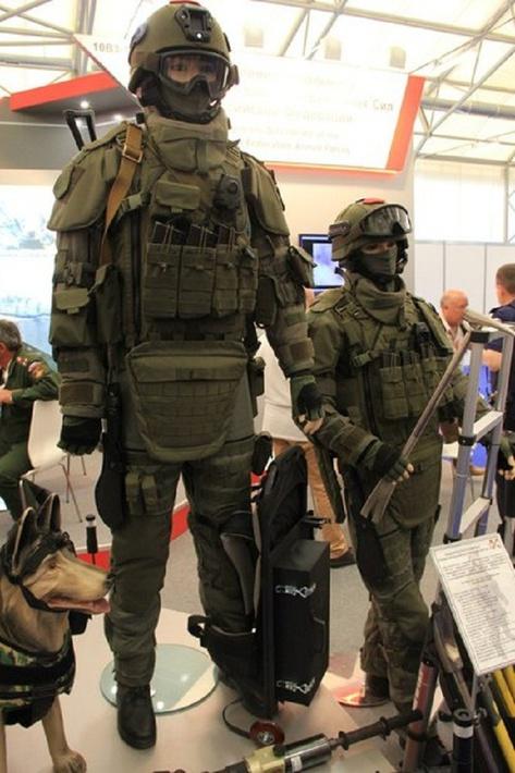 Минобороны показало новую экипировку инженерных войск