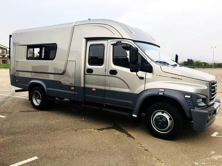 Универсальный ГАЗон NEXT: на базе грузовика создан необычный фургон