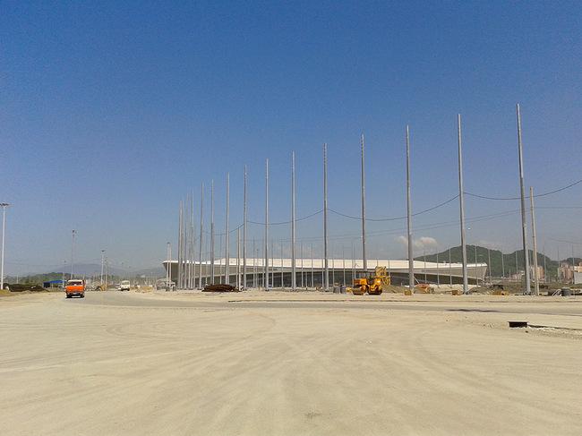 http://photo.championat.com/10/10198/full/414708-zatjazhnoj-povorot-v-forme-bukvy-omega-v-centre-olimpijskogo-parka.jpg