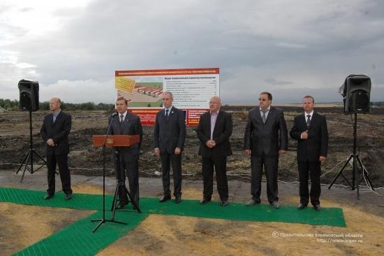 закладка первого камня новой птицефабрики в Карсунском районе (7 сентября 2011 г.)