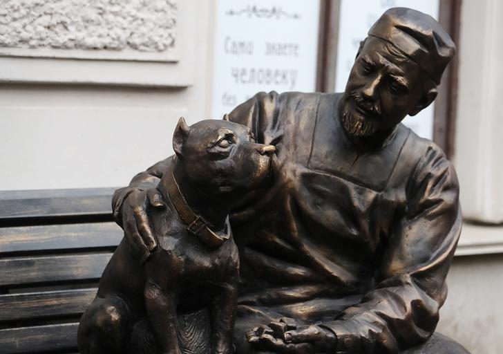 В Петербурге открыли памятник на сюжет фильма