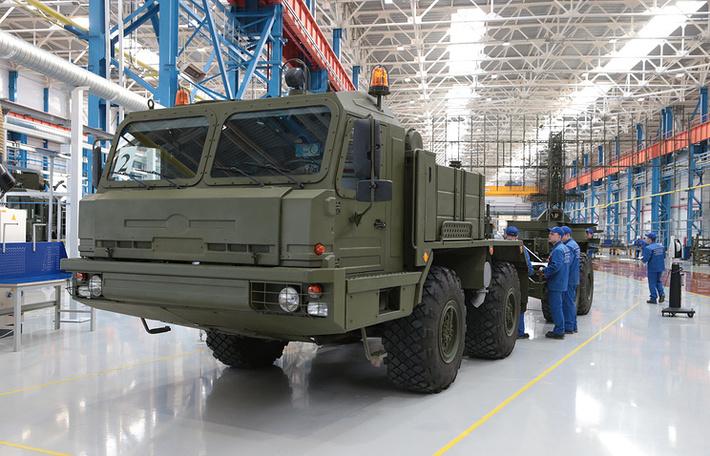 """Концерн ПВО """"Алмаз-Антей"""" начал серийную поставку в войска радиолокационных станций """"Небо"""""""
