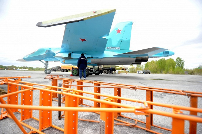 Предполетная подготовка Су-34 © ИТАР-ТАСС/Евгений Курсков