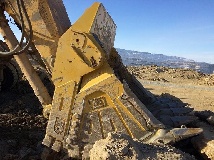 Ковш «прямая лопата» в скальном сверхусиленном исполнении в Казахстане
