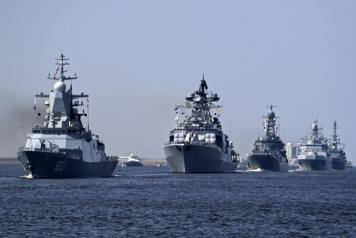 Репетиция военно-морского парада в Санкт-Петербурге