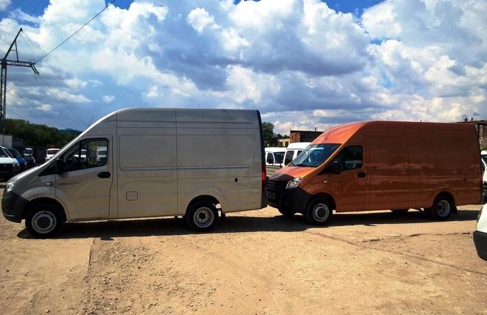 Цельнометаллический фургон «Газель-Next» со стандартной колесной базой в сравнении с удлиненной версией