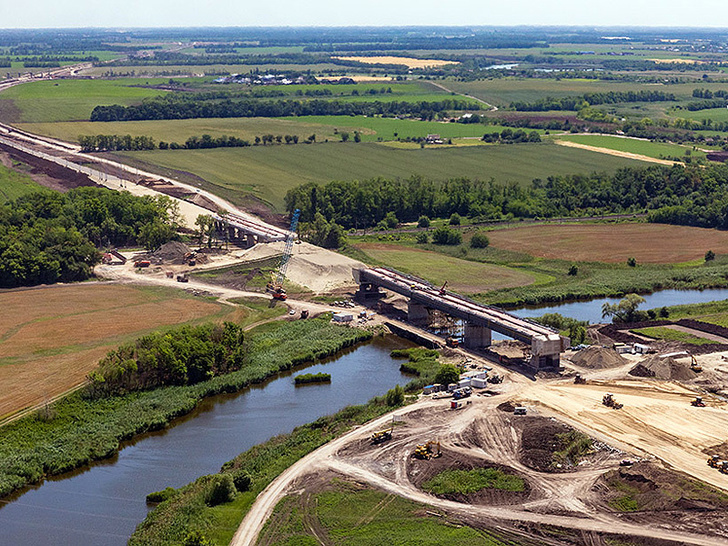 Ход строительства новой железнодорожной линии в обход Краснодара. Вид с воздуха.