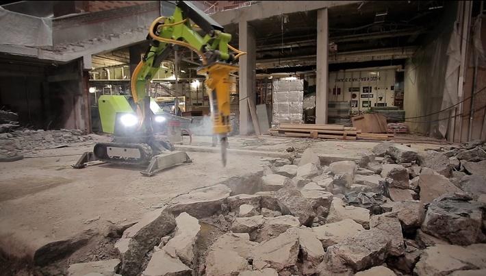 """Пример работы робота """"Бетонолом 2000"""". Демонтаж бетонной стяжки."""