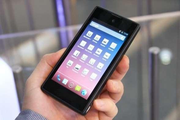 За два месяца продано 12 тысяч YotaPhone