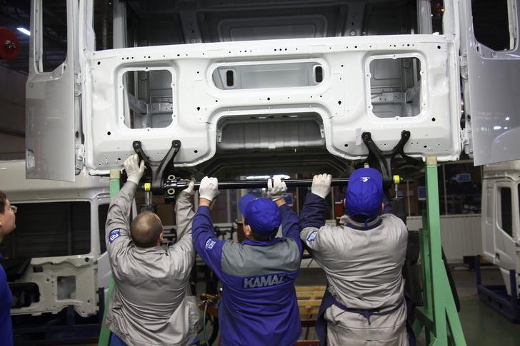КАМАЗ приступил к сборке кабин для грузовиков нового поколения