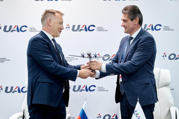 Компании «Ил», «Аврора» и ГТЛК подписали соглашение о поставке Ил-114-300