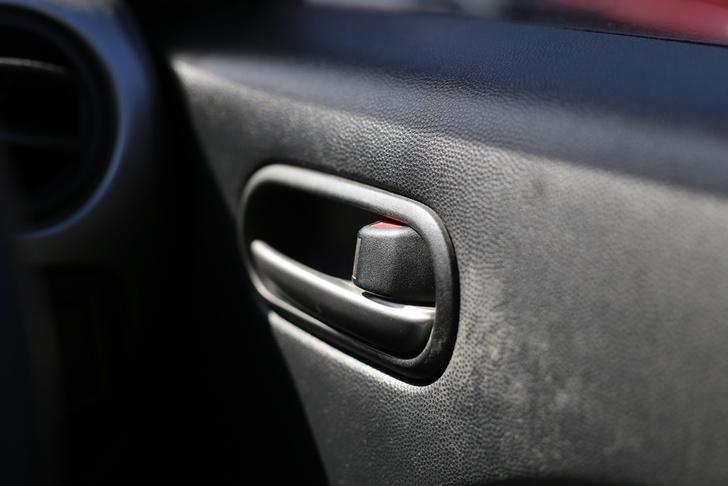 Концерн «Автоматика» разработал защищенные микропереключатели для автомобильных дверей