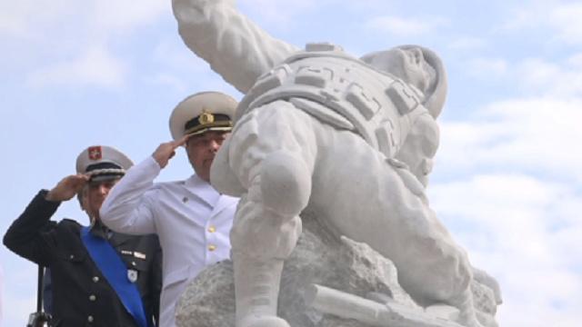 Работа над памятником заняла почти год.