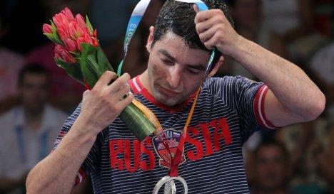 Миша Алоян с серебряной медалью Универсиады