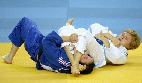 Алеся Кузнецова (слева) и Скарлетт Габриелли