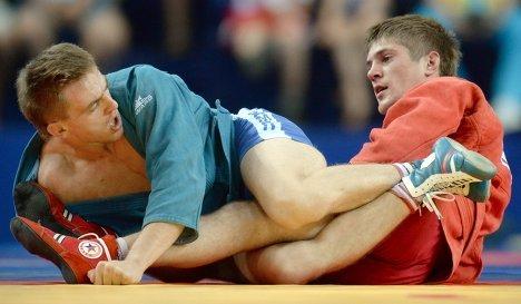 Денис Давыдов (в синем) и Александр Кокша