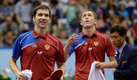 Российские спортсмены Михаил Пайков (слева) и Вячеслав Буров