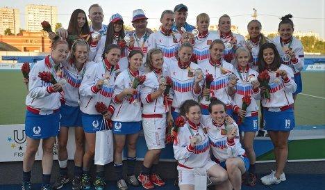 Российские спортсменки, завоевавшие серебряные медали женского турнира по хоккею на траве