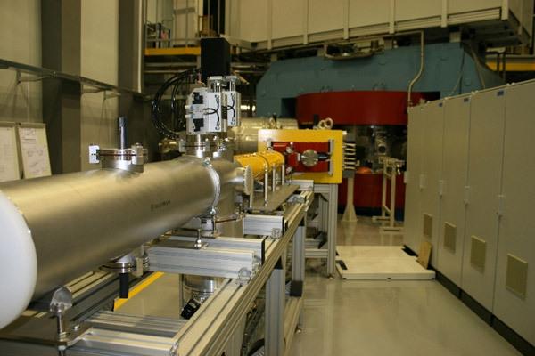 В построенном на правобережной площадке НПК «Бета» завершается монтаж нового промышленного циклотрона, созданного в Объединенном институте ядерных исследований, лучшего по параметрам в своем классе