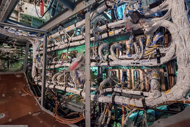 Цех сборки элементов бортовой электрической сети