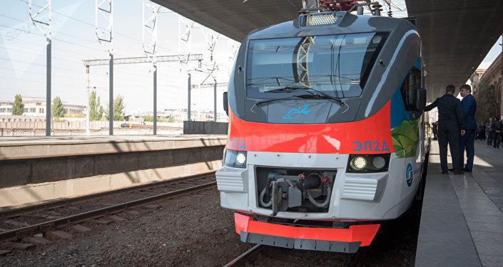 «Трансмашхолдинг» представил в Армении электропоезд ЭП2Д в двухвагонном исполнении