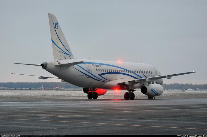 Сухой SuperJet 100-95LR Газпромавиа