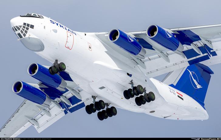 Прошедший капитально-восстановительный ремонт транспортный самолет Ил-76Т (сирийский регистрационный номер YK-ATB), принадлежащий сирийской государственной авиакомпании Syrian Arab Airlines, во время послеремонтного перегона из Жуковского в Шереметьево.