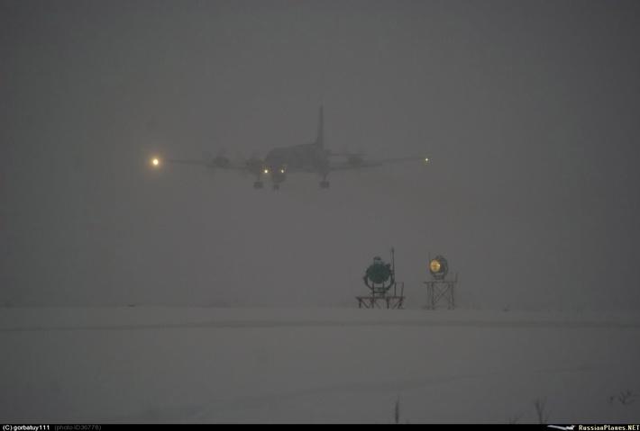 Так проходила посадка в тяжелых метеоусловиях на Североморск-1