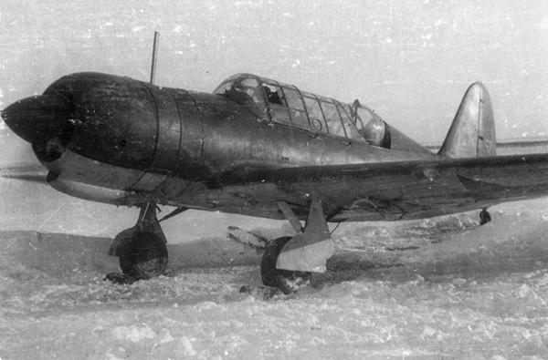 Советский легкий бомбардировщик Су-2 на зимнем аэродроме. Источник: waralbum.ru