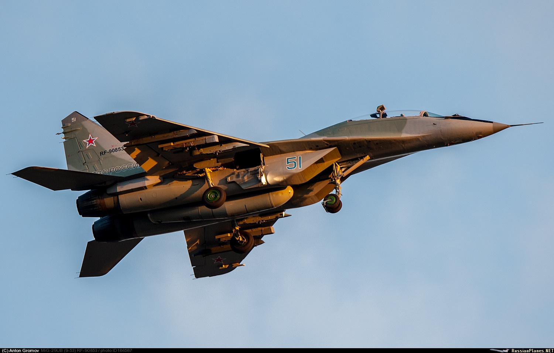 Russian Military Photos and Videos #4 - Page 4 F_cnVzc2lhbnBsYW5lcy5uZXQvaW1hZ2VzL3RvMTg3MDAwLzE4NjU4Ny5qcGc_X19pZD03NjczOQ==