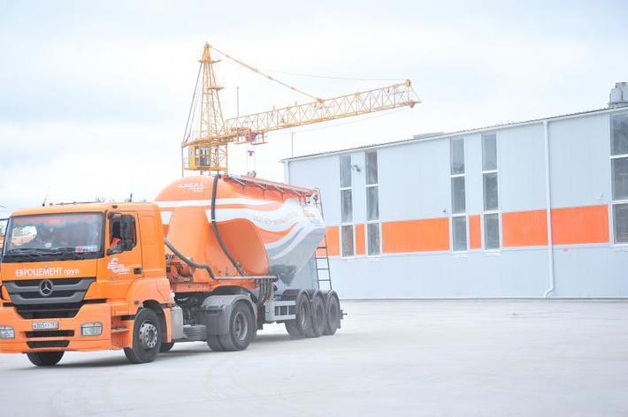 Автор фото: Сергей Ларин   В Рязанской области открылся новый высокотехнологичный производственный комплекс по упаковке и отгрузке цемента