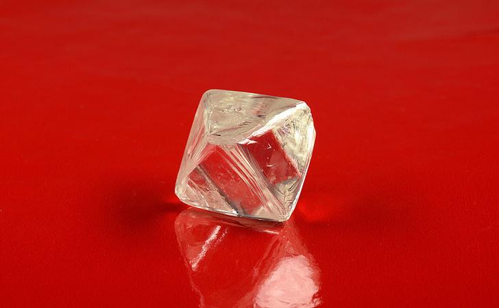 Алмаз массой 97,92 карата (Фото: АЛРОСА)